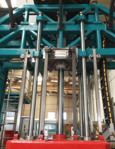 Prensas verticales hidráulicas. Columnas y engranaje
